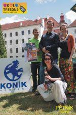 Pětník na Houpacím koni 2017 v Třeboni. Nahoře Honza, Standa a Alena, dole Jana
