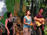 Třetí ročník Folkového Chvojení otevírala skupina Pavučina.