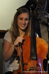 Anička s violoncellem
