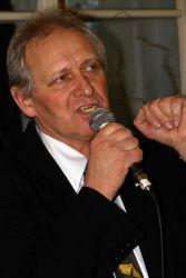 Poté krátce pohovořil Slavomil Janov, bez jehož nadšení a práce by výstava nevznikla. (foto 2)
