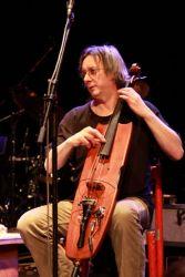 Cello jako drnkací nástroj