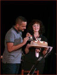 Honza Macoun – oblíbený moderátor Country Radia – pokřtil nové CD šlehačkou z narozeninového dortu...