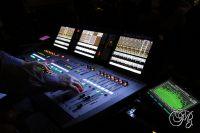 Chlouba Music City Pointu, nový zvukařský superpult z Audiomasteru a na něm superruce mistra zvuku Notování Josefa Balcara