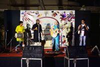 Vystoupení proběhlo pod mangovníky v klubu Akhra Baitanik