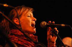 Koncert v týdnu ohrozilo bezhlasí Radky Geigerové. Léčila se svědomitě a v sobotu nechyběla!