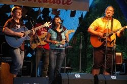 Jako předposlední zahrála kapela Passage, jejíž většina členů už je součástí Žalmanova fanklubu.