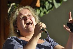 Hanka Skřivánková zpívala zplným nasazením a nádherně.