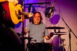 Jura Nedavaška - zřejmě nejfotografovanější folkový bubeník