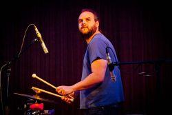 Perkusionista kapely Ladě Vít Halška, špičkový vyhledávaný muzikant napříč hudevním spektrem.
