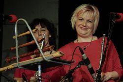 Jitka Krupičková patří i k užšímu složení s názvem Klíč - kvartet. Také hraje na flétny i rytmické nástroje a zpívá sbory.