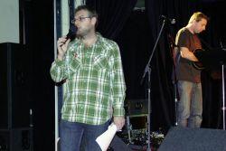 Martin Mrlina alias Marťas komentoval, zatímco se moderátorský kolega Michal Burda převtěloval do role muzikantské.