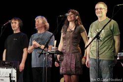 Žalman a Spol se v Gongu  několikrát na jeviště vraceli, nakonec přidali i zcela novou píseň
