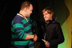 Vítěz Dětské noty Michal Horák přebírá ocenění