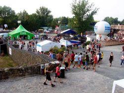 Pohled na festivalový areál pod Slezskoostravským hradem