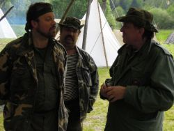 Na fotografii je autor povídky Harmonika (vlevo) zachycen během lobbistického rozhovoru s organizátorem Trapsavce Hafranem