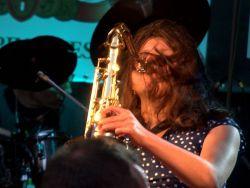 Hlavním nástrojem Aničky však byl saxofon