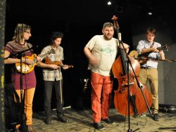 Bluegrassové kapele Twisted Timber patřil úplný závěr večera.