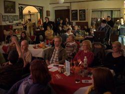 A podobně zaujaté děním na pódiu bylo i publikum, které zaplnilo celý sál Pitkovické hospody.