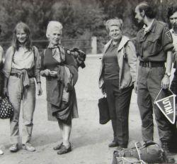 Cestou z Utahu. Zleva: Vlasta Štefanová - Briggi, Pavla Brochesová, Zdeňka Čepeláková a Dewi