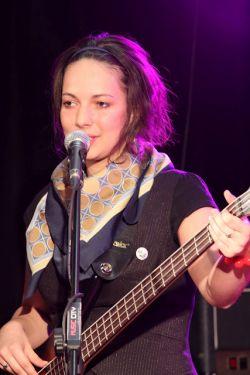 Kačenka Novotná z KaBáJi, maturantka 2011