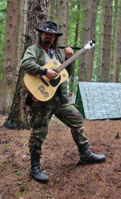 Autor povídky se svojí kytarou Nikitou