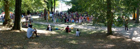 Zámecký park v Náměšti nad Oslavou během druhého festivalového dne.